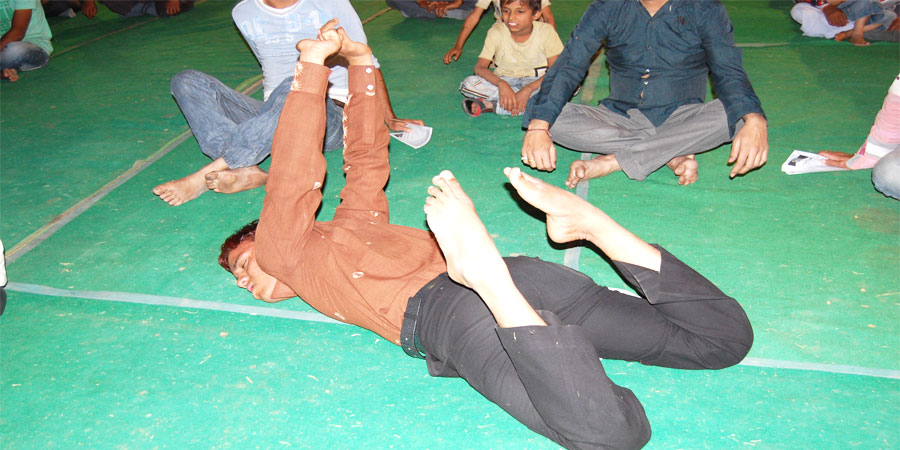 GSSY practitioners undergoing Automatic Yogic Movements