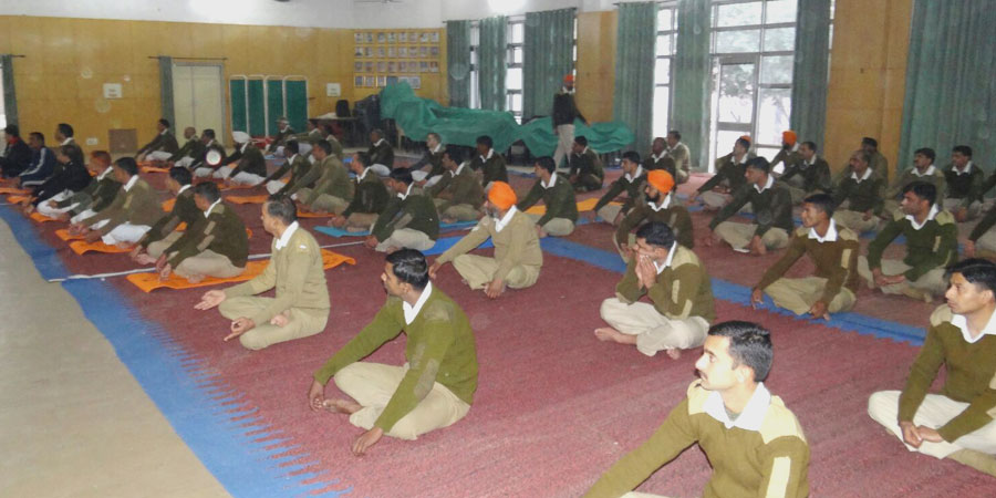 फरवरी, 2016 को C.R.P.F बटालियन चंडीगढ़ के लिए सिद्धयोग ध्यान शिविर का आयोजन किया गया।