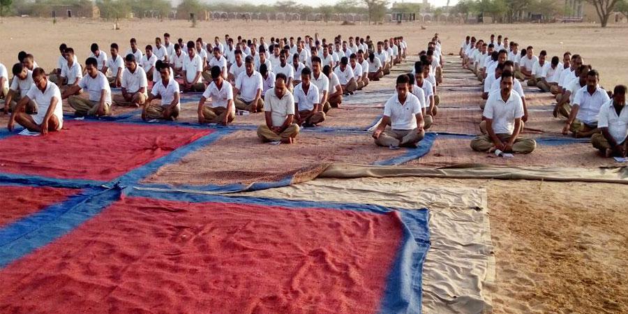 जून'2016 में बीएसएफ बटालियन, पोखरण, जैसलमेर के लिए सिद्धयोग ध्यान शिविर का आयोजन किया गया।