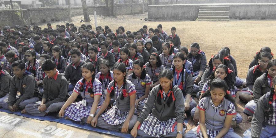 केन्द्रीय विद्यालय कलिंग नगर, भुवनेश्वर में आयोजित सिद्धयोग ध्यान शिविर।